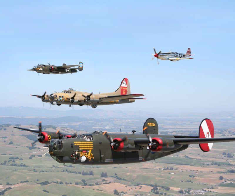 Collings_B-17, B-24, B-25 and P-51