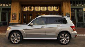 Mercedes Benz GLK350 - 2010 - side